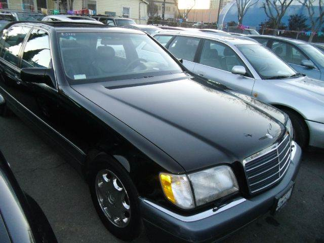 1995 MERCEDES-BENZ S-CLASS S500 SEDAN black abs brakesair conditioningalloy wheelsanti-brake sy