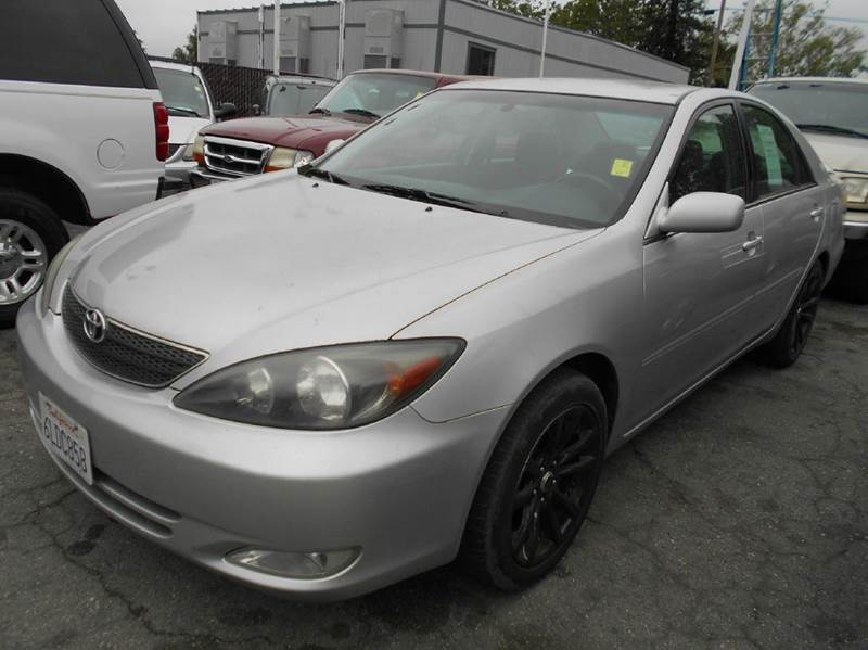 2002 TOYOTA CAMRY SE V6 4DR SEDAN silver abs - 4-wheel anti-theft system - alarm cassette cent