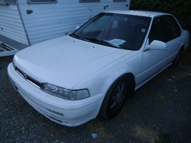 1992 HONDA ACCORD LX 4DR SEDAN white antenna type - power cassette clock cruise control exter