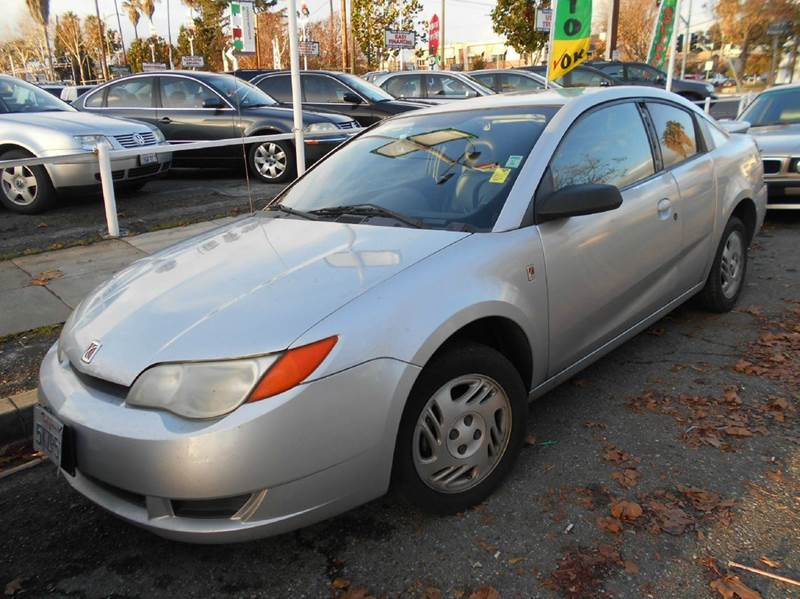 2004 SATURN ION 2 4DR COUPE silver center console clock daytime running lights exterior entry