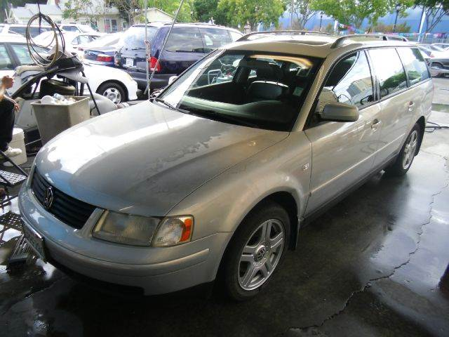 2001 VOLKSWAGEN PASSAT GLX V6 AWD 4MOTION 4DR WAGON silver abs - 4-wheel alloy wheels anti-theft