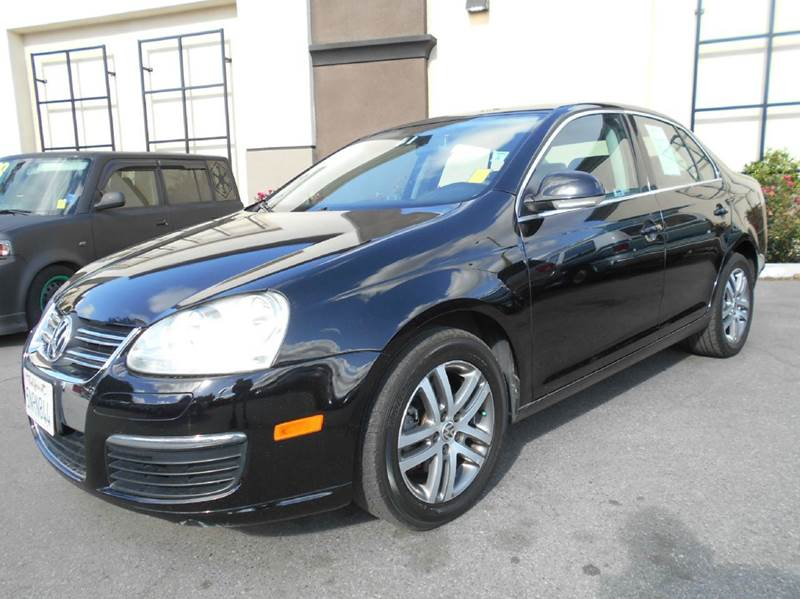 2005 VOLKSWAGEN JETTA 2.5 PZEV NEW 4DR SEDAN