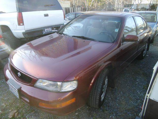 1995 NISSAN MAXIMA GXE 4DR SEDAN maroon antenna type - power cassette center console cruise co