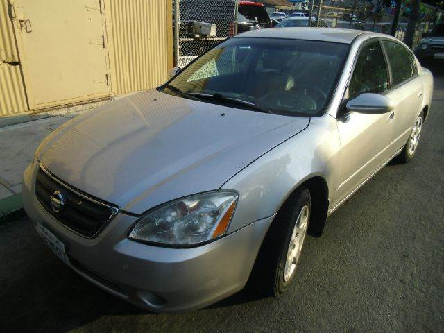 2004 NISSAN ALTIMA 25 S 4DR SEDAN silver center console clock cruise control exterior entry li