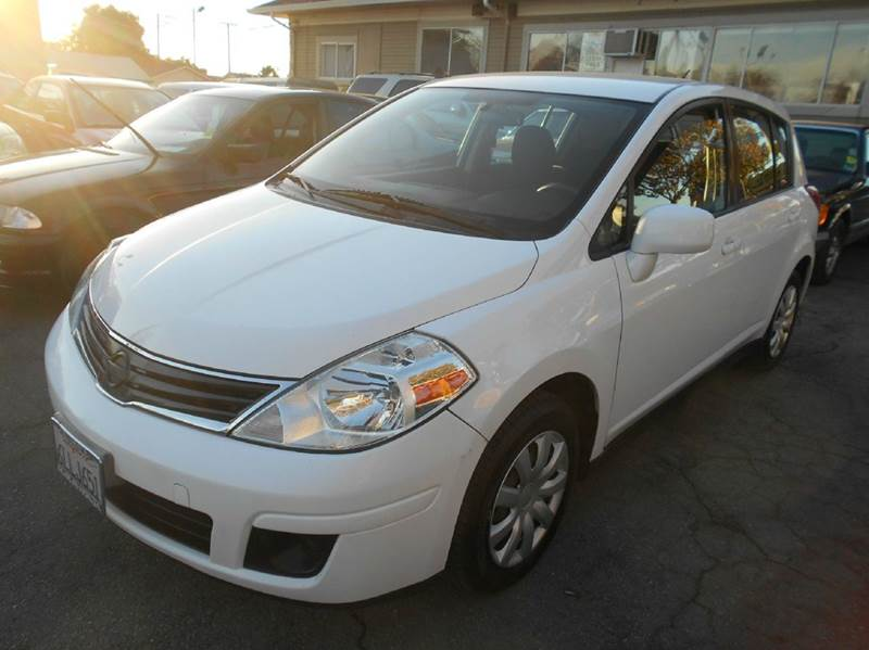 2010 NISSAN VERSA 18 S 4DR HATCHBACK 4A white abs - 4-wheel active head restraints - dual front