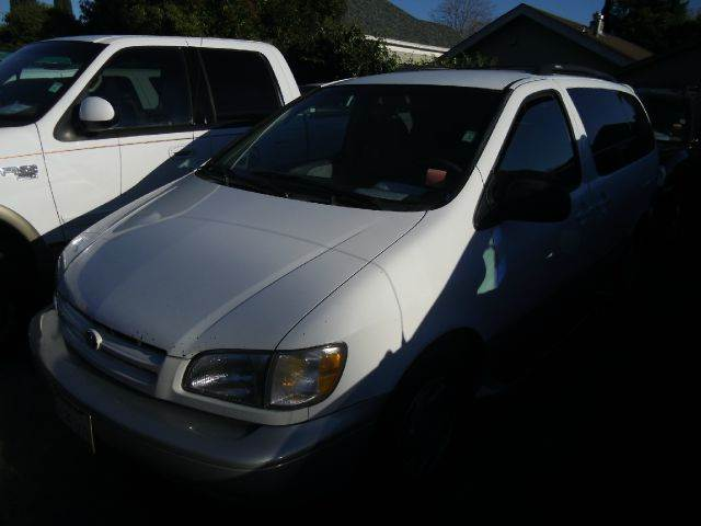 1998 TOYOTA SIENNA white air conditioningamfm radioautomatic transmissioncruise controldriver