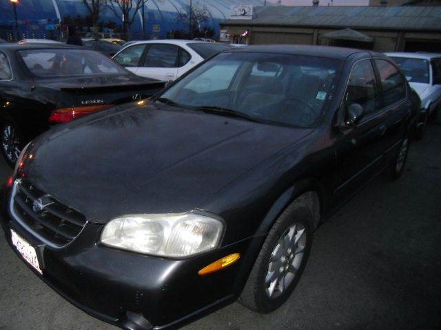 2000 NISSAN MAXIMA charcoal 4 doorair conditioningamfm radioautomatic transmissioncd playerc