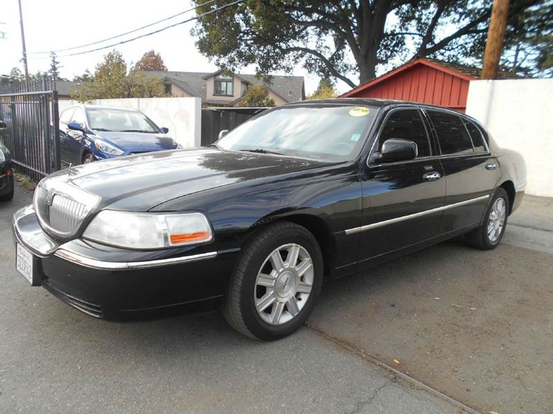 2007 LINCOLN TOWN CAR EXECUTIVE L 4DR SEDAN black air suspension - rear front airbags - dual fr