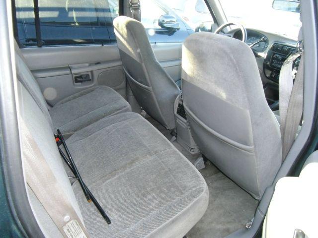 1997 FORD EXPLORER XLT 4-DOOR 2WD