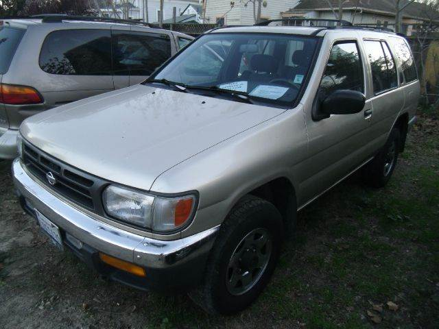 1998 NISSAN PATHFINDER 4WD gold 4 door4 wheel driveair conditioningalloy wheelsamfm radioaut