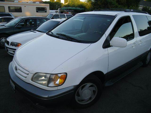 2001 TOYOTA SIENNA LE white abs brakesair conditioningamfm radioanti-brake system 4-wheel abs