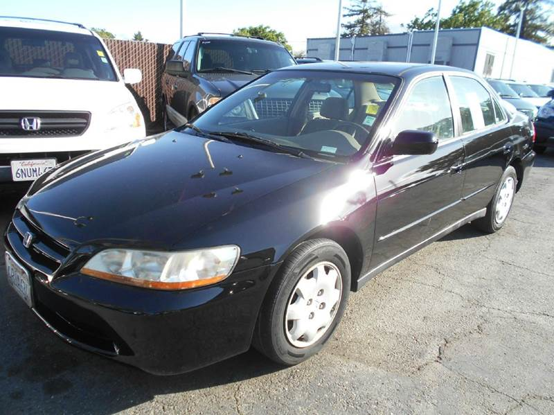 1998 HONDA ACCORD LX 4DR SEDAN black cassette center console cruise control front air conditio