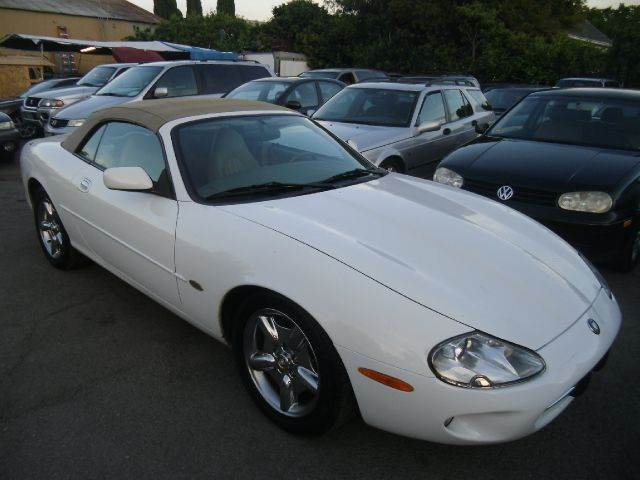 1998 JAGUAR XK-SERIES XK8 2DR CONVERTIBLE white abs - 4-wheel anti-theft system - alarm cassett