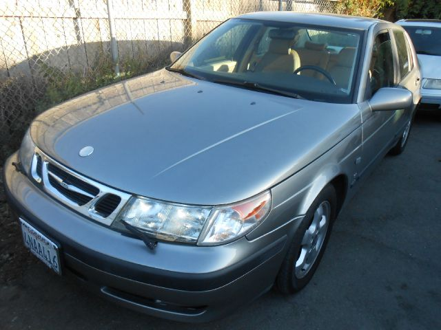 2001 SAAB 9-5 SE grey abs brakesair conditioningalloy wheelsamfm radioanti-brake system 4-wh