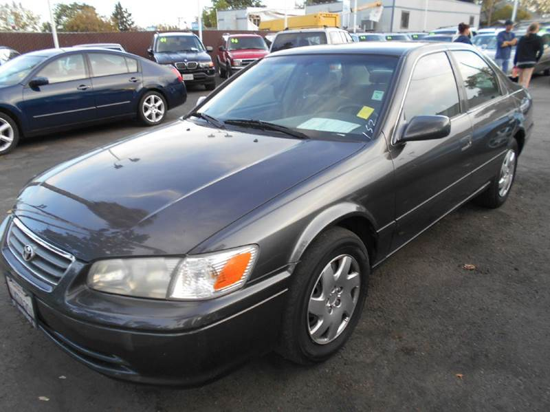 2000 TOYOTA CAMRY LE 4DR SEDAN charcoal cassette center console cruise control exterior mirror