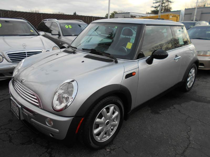 2004 MINI COOPER BASE 2DR HATCHBACK silver abs - 4-wheel clock exterior entry lights front air