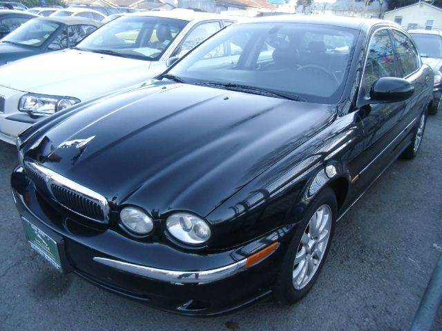 2002 JAGUAR X-TYPE 25 black 4wdawdabs brakesair conditioningalloy wheelsamfm radioanti-bra