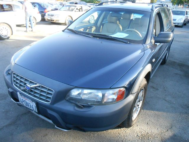 2001 VOLVO V70 XC AWD blue abs brakesair conditioningalloy wheelsamfm radioanti-brake system