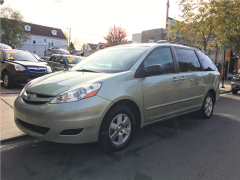 2010 Toyota Sienna for sale in Chicago, IL