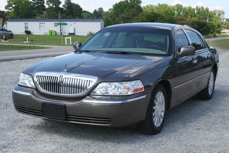 2003 Lincoln Town Car Signature 4dr Sedan In Roanoke Rapids Nc