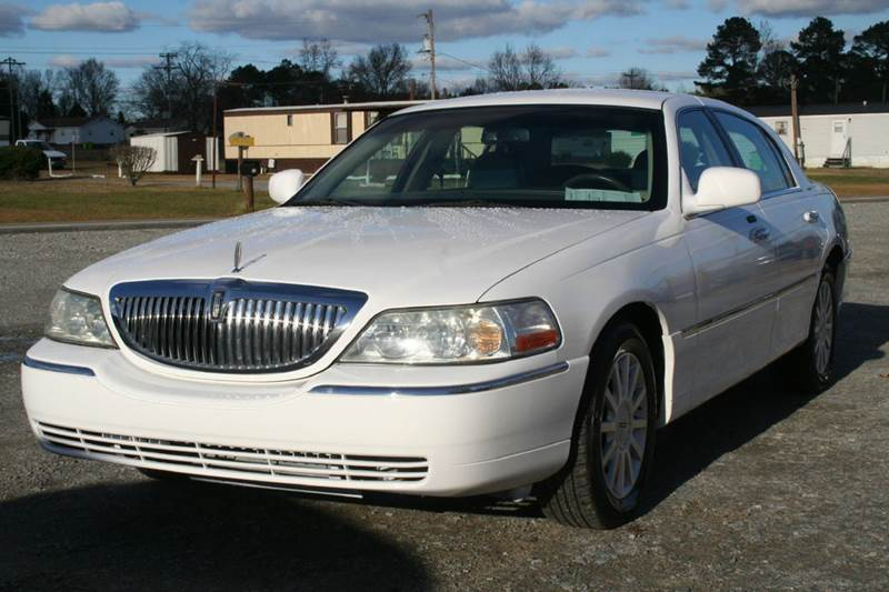 2006 Lincoln Town Car Signature 4dr Sedan In Roanoke Rapids Nc