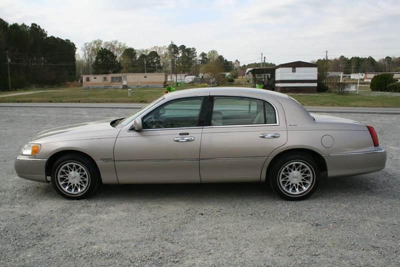 2002 Lincoln Town Car Signature 4dr Sedan In Roanoke Rapids Nc