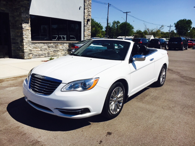 2013 chrysler 200 convertible limited 2dr convertible in evansville in best choice auto. Black Bedroom Furniture Sets. Home Design Ideas