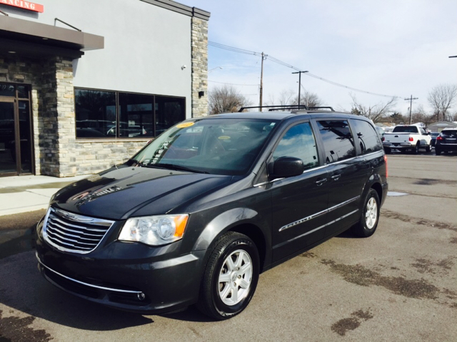 2012 chrysler town and country touring 4dr mini van in evansville in best choice auto. Black Bedroom Furniture Sets. Home Design Ideas