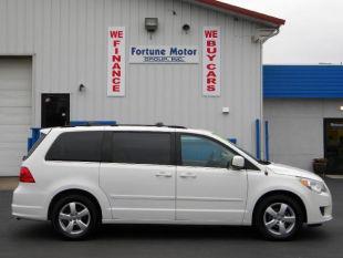 2009 Volkswagen Routan for sale in Waukegan IL
