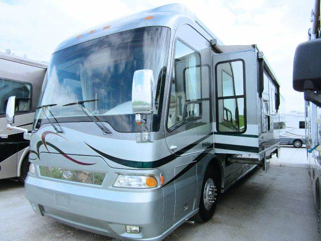 2005 Country Coach  Magna Rembrant
