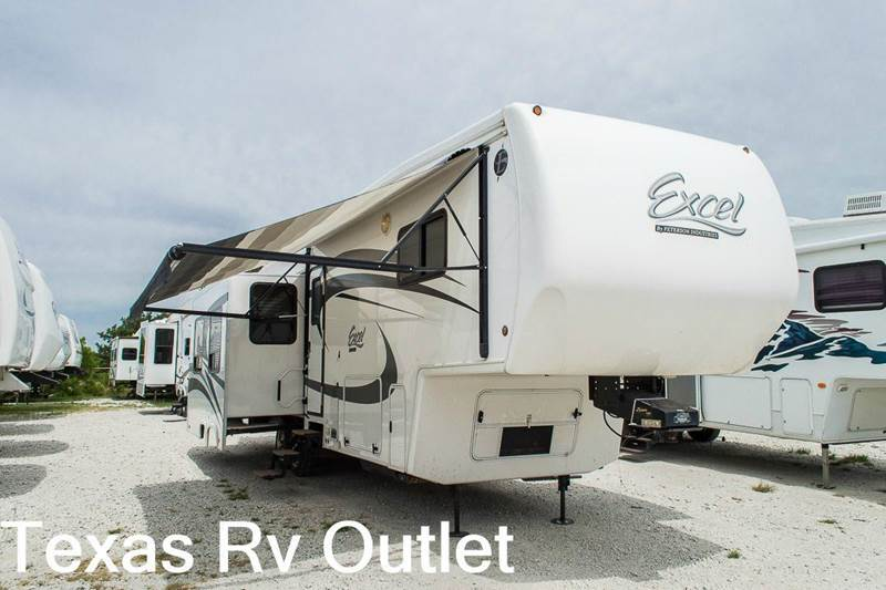 2011 	Excel RVs Limited 33GKS