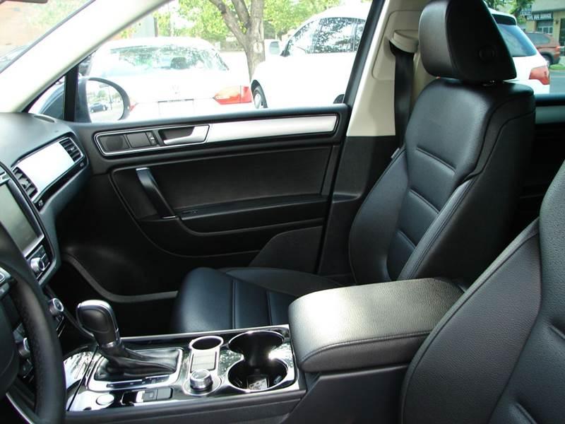 2016 Volkswagen Touareg AWD VR6 Sport 4dr SUV w/Technology - Provo UT