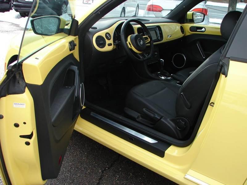 2013 Volkswagen Beetle 2.5L PZEV 2dr Hatchback 6A w/ Sunroof - Provo UT