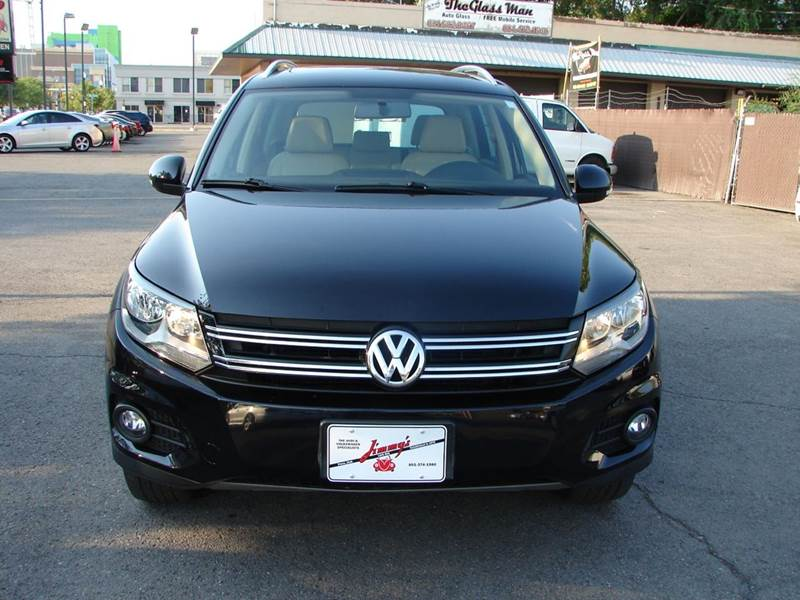 2013 Volkswagen Tiguan AWD SE 4Motion 4dr SUV w/Sunroof and Navigation (ends 1/13) - Provo UT