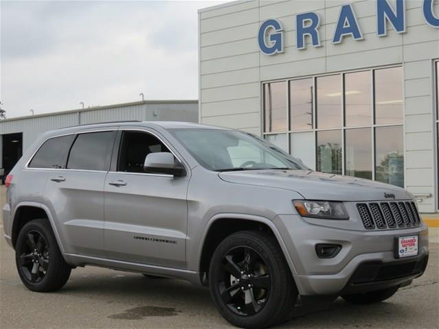 Used 2015 jeep grand cherokee in granger ia at granger for Granger motors used cars