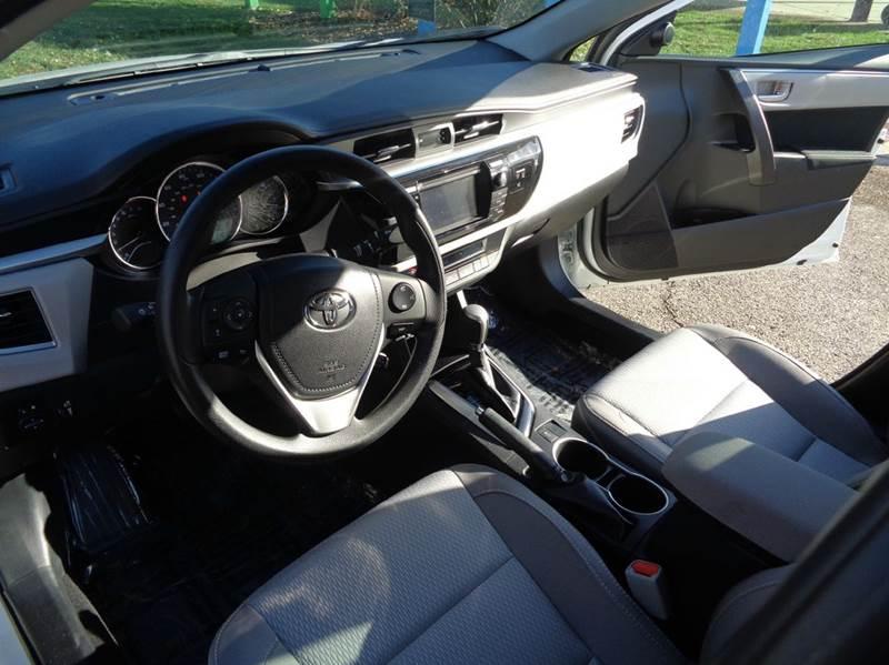 2016 Toyota Corolla LE 4dr Sedan - Elgin IL