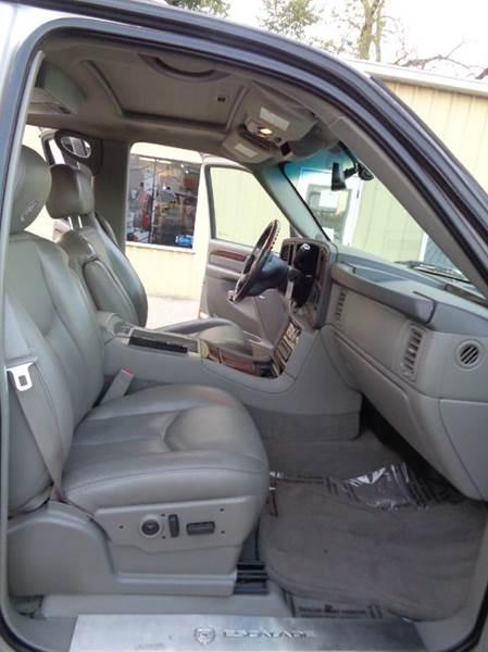 2005 Cadillac Escalade EXT Base AWD 4dr Crew Cab SB - Elgin IL