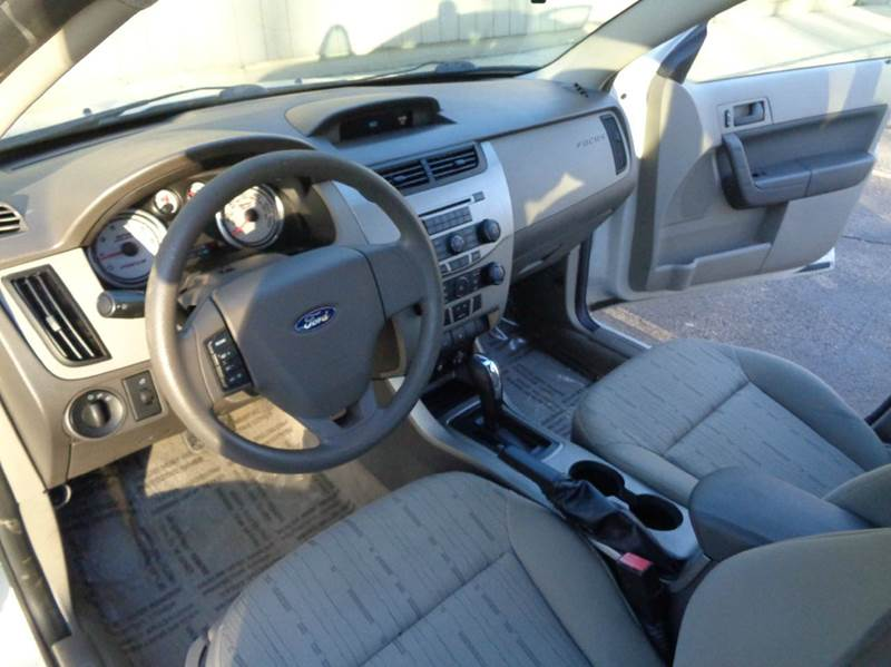 2011 Ford Focus SE 4dr Sedan - Elgin IL