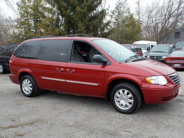 2006 chrysler town and country touring for sale in miamisburg springboro miamisburg superior. Black Bedroom Furniture Sets. Home Design Ideas