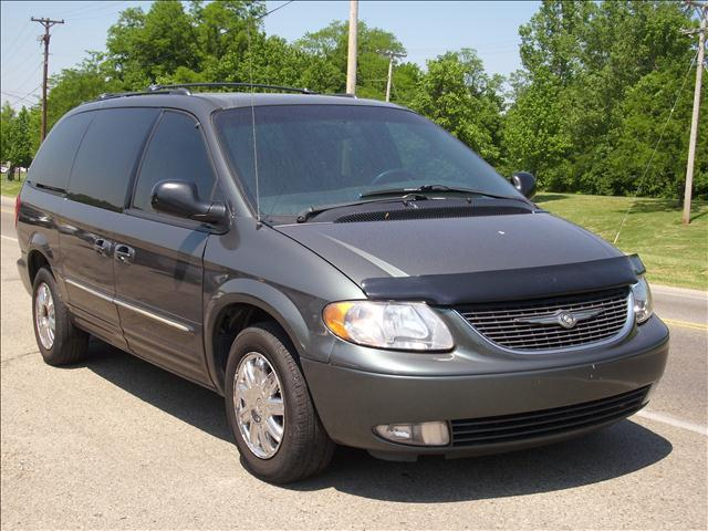 2004 chrysler town and country limited 4dr ext minivan in miamisburg oh superior auto sales. Black Bedroom Furniture Sets. Home Design Ideas