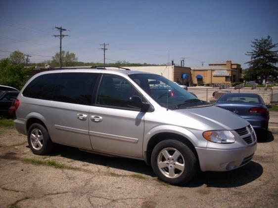 2006 dodge grand caravan sxt in miamisburg oh superior. Black Bedroom Furniture Sets. Home Design Ideas