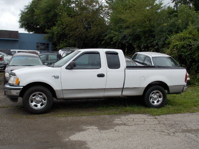 1998 ford f 150 xlt supercab short bed 2wd in miamisburg. Black Bedroom Furniture Sets. Home Design Ideas