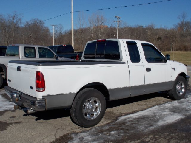 1998 ford f 150 xlt supercab short bed 2wd in miamisburg oh superior auto sales. Black Bedroom Furniture Sets. Home Design Ideas