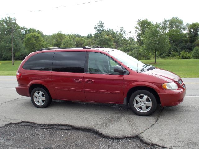 2005 dodge grand caravan sxt in miamisburg oh superior. Black Bedroom Furniture Sets. Home Design Ideas