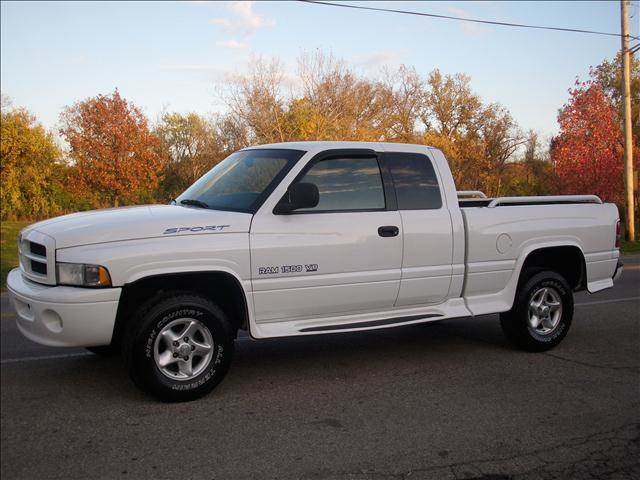 2000 dodge ram pickup 1500 quad cad slt sport 4x4 in miamisburg