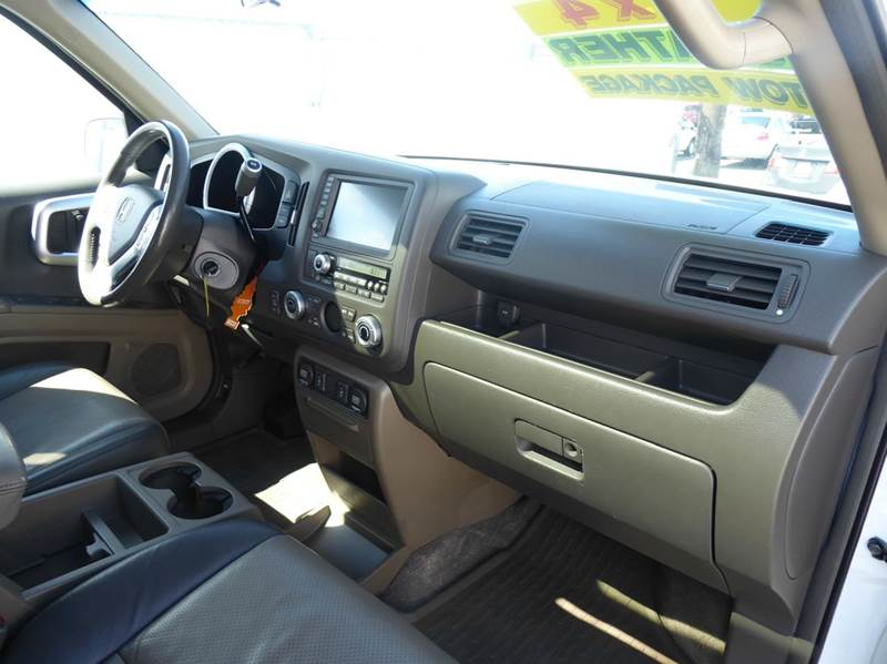 2006 Honda Ridgeline AWD RTL 4dr Crew Cab w/Moonroof, XM and Navi - Union Gap WA