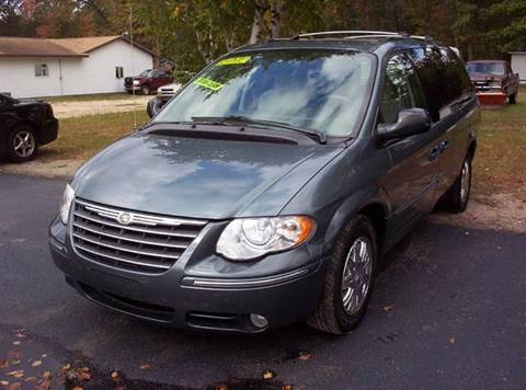 2005 Chrysler Town and Country for sale in Houghton Lake, MI
