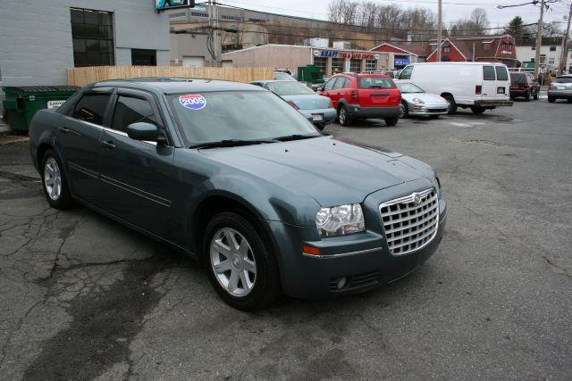 2005 Chrysler 300 Touring - MARLBOROUGH MA