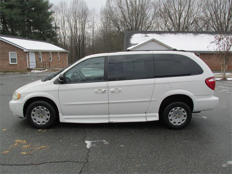 2002 chrysler town and country lx 4dr extended mini van in winston salem nc new era motors. Black Bedroom Furniture Sets. Home Design Ideas