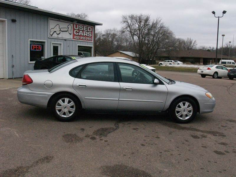 2005 Ford Taurus SEL 4dr Sedan - South Sioux City NE